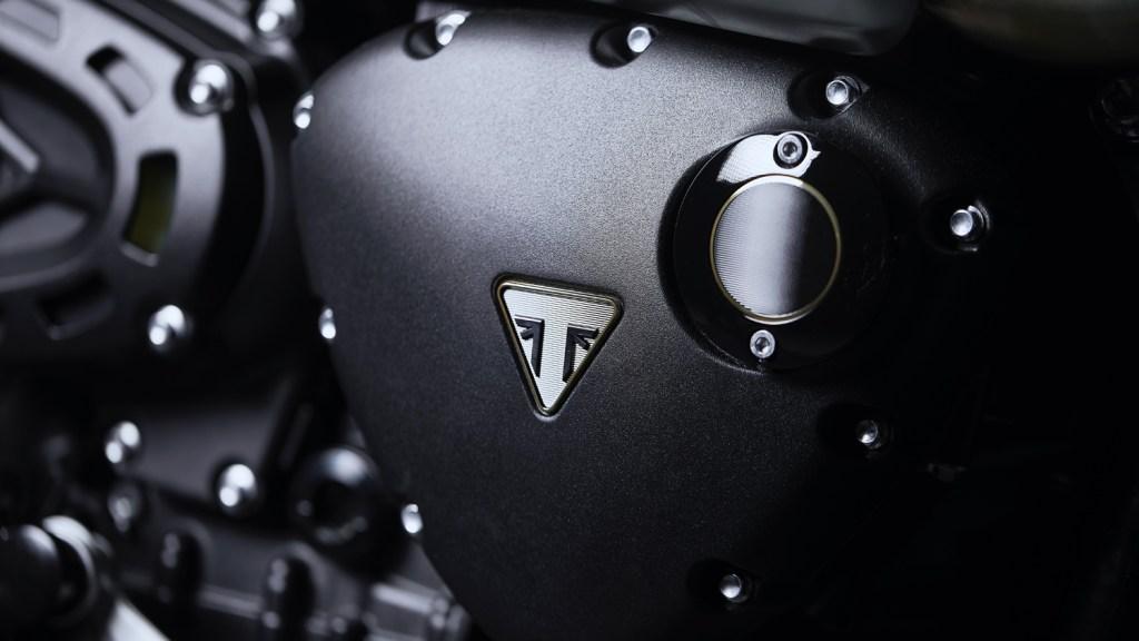 Triumph 1200 Scrambler Bond Edition black colour scheme