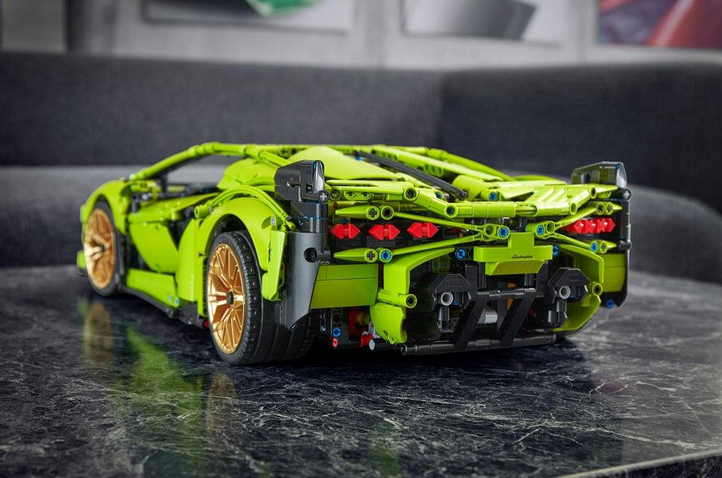 LEGO Lamborghini Sián rear view