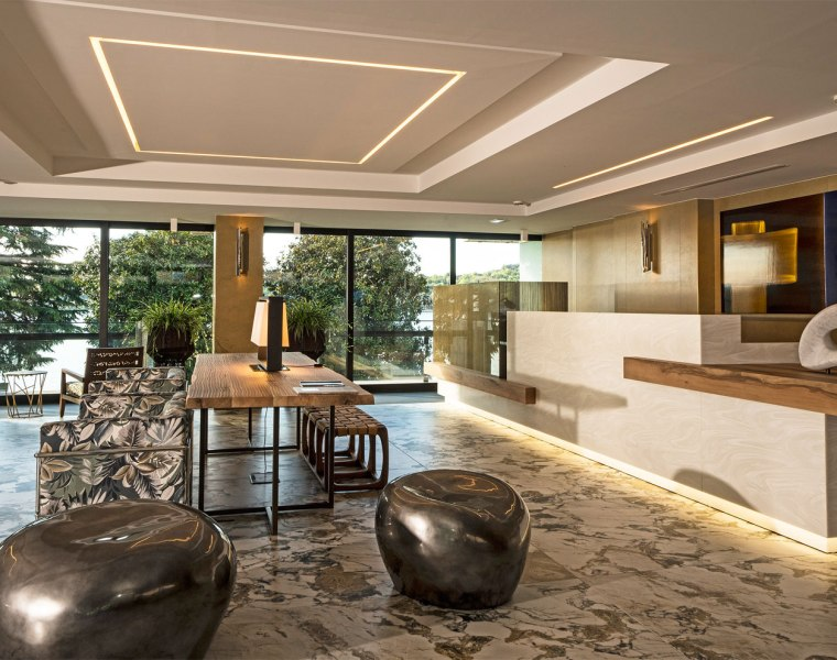 BRABBU Brightens the Entrance Décor at Hotel Salò du Parc