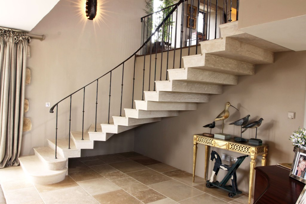 Stone staircase designed and installed by Ian Knapper