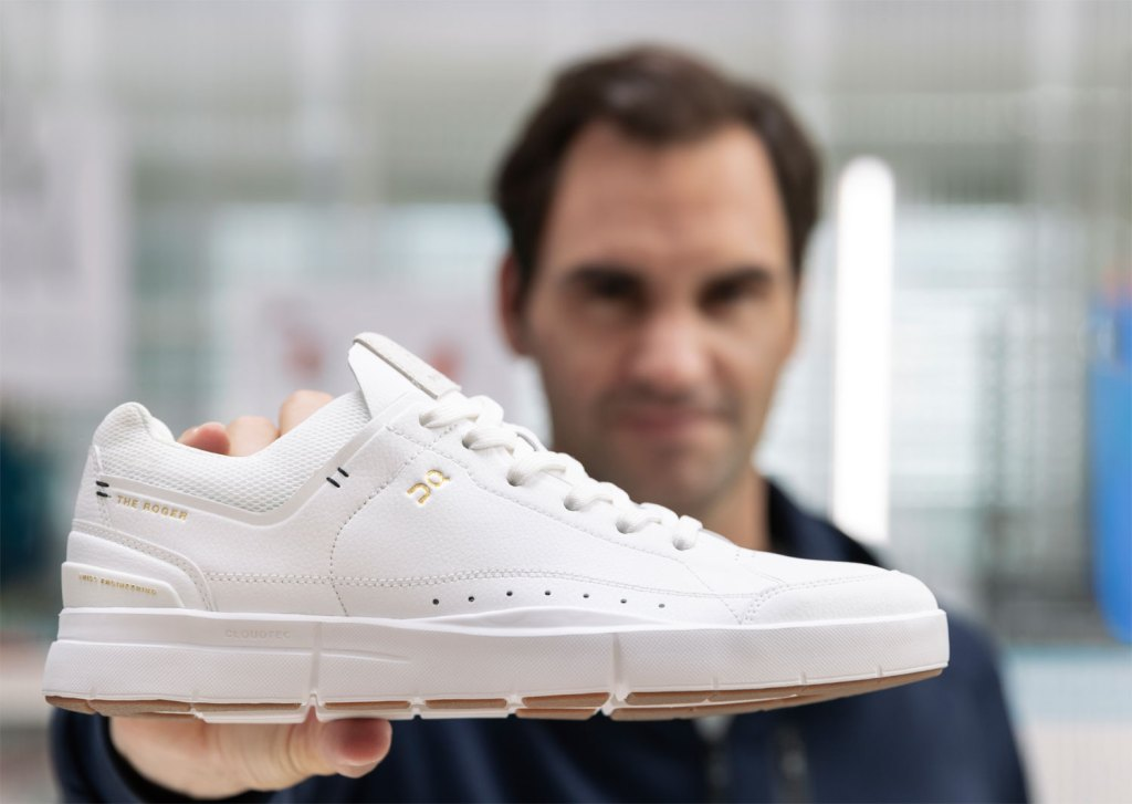 Roger Federer and The Roger centre court trainer