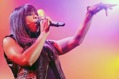 Kelly Rowland Lights out
