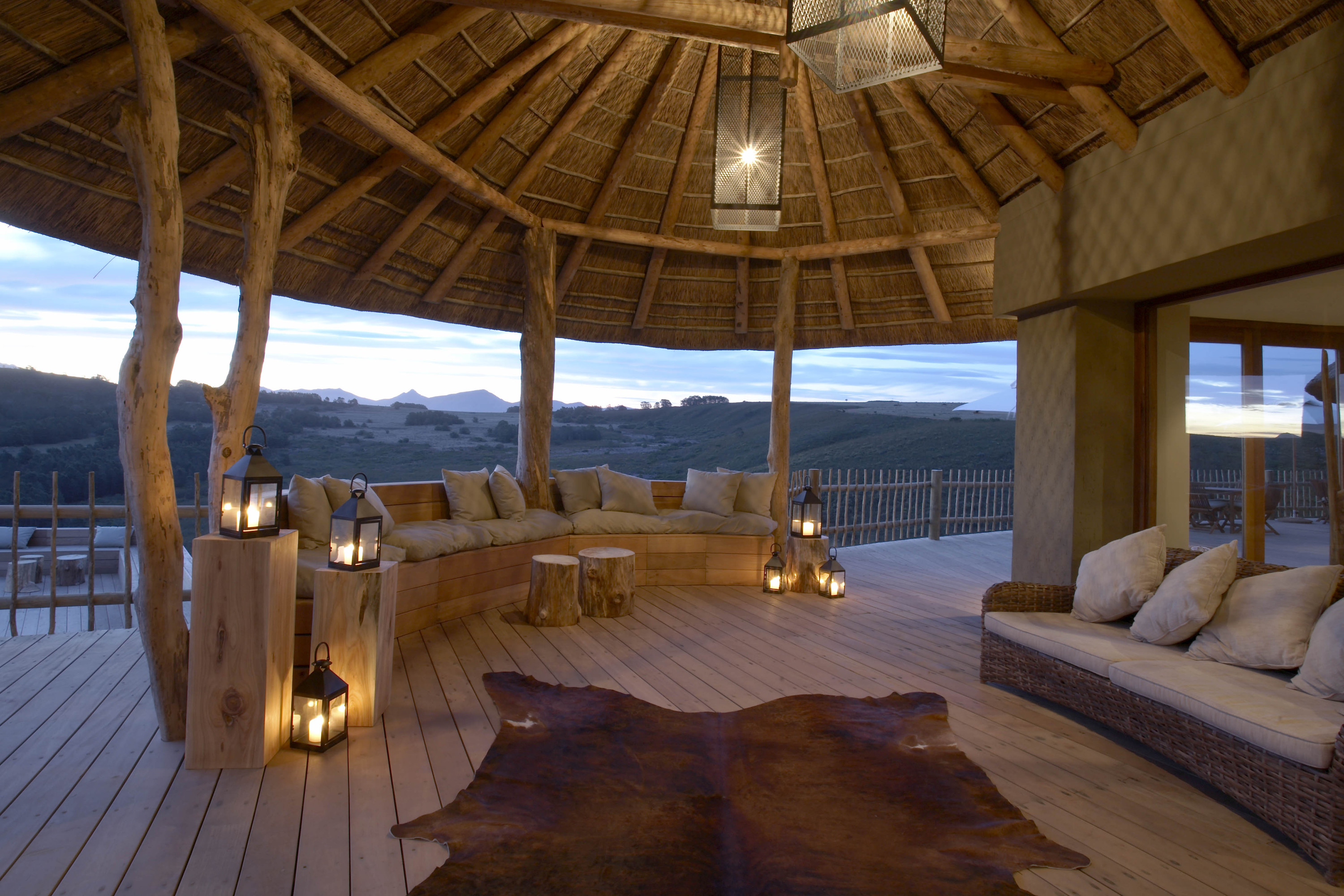 Top 5 glamping hotels around the world luxuriousprototype for Best hotel on earth