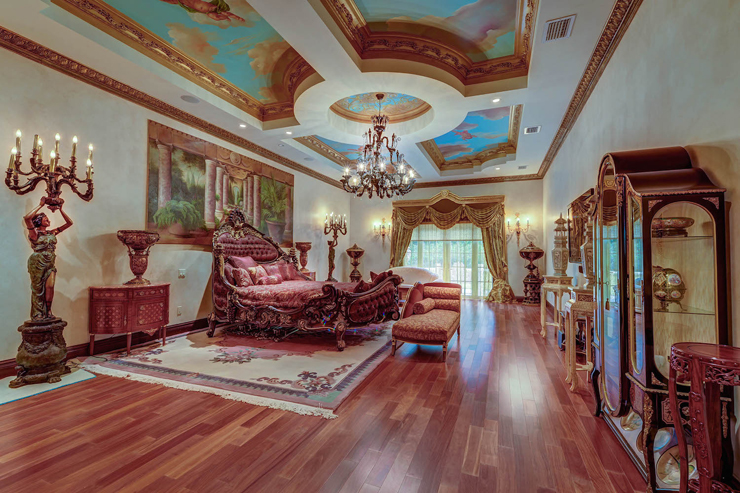 Court Of Versailles Florida Mansion Modeled After The