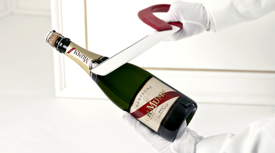 How To Saber A Champagne Bottle By RB Maitre Sabreur