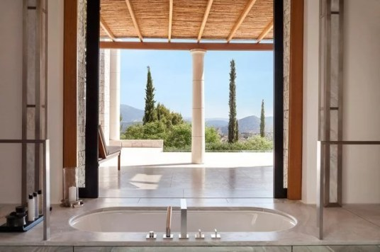 hotel-amanzoe-heli-porto-bath