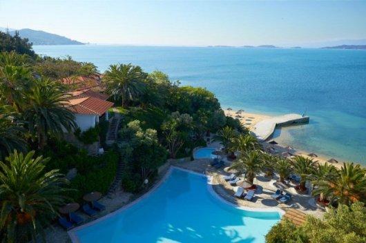 hotel eagles palace halkidiki pool beach - Die exklusivsten Luxushotels Griechenlands