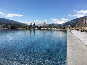 Sonnenhof winkler hotel pustertal Suedtirol wellness urlaub familienhotel test kronplatz outdoor berge 012 pool 90 - Der Lanerhof - Wellness, Gourmet & Sport in Südtirol