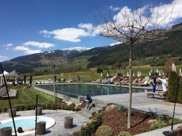 Sonnenhof winkler hotel pustertal Suedtirol wellness urlaub familienhotel test kronplatz outdoor berge 012 pool 98 - Der Lanerhof - Wellness, Gourmet & Sport in Südtirol