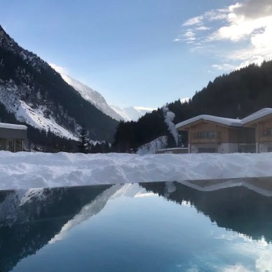 Feuerstein-Family-Resort-Brenner-pool-6