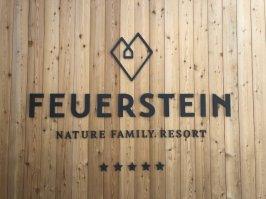 Feuerstein-Family-Resort-Brenner-schild