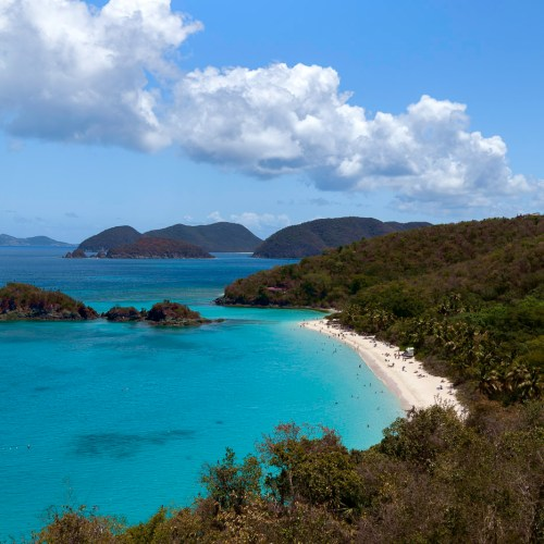 Stunning blues of Trunk Bay on the Caribbean island of St John, US Virgin Islands.