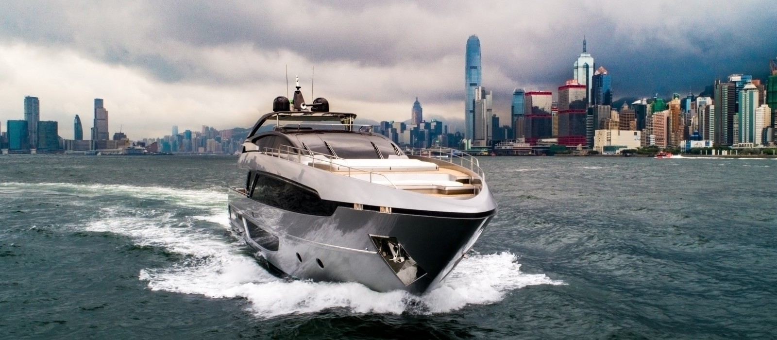Luxury Boat Hire Home Page