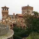 medieval-italaian-castle-4