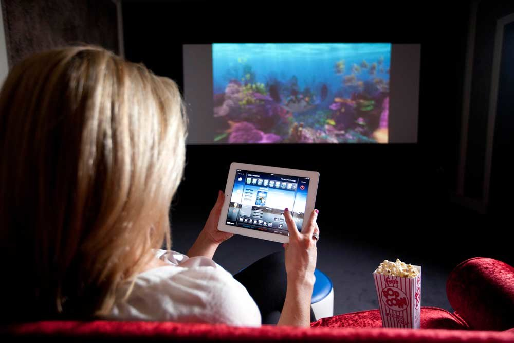 Smart App-artment Home Cinema