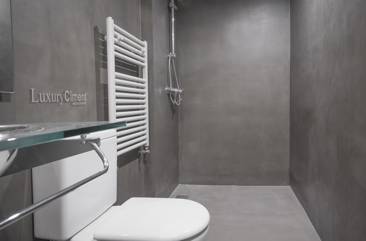 baño con continuidad y armonia microcemento luxuryCiment