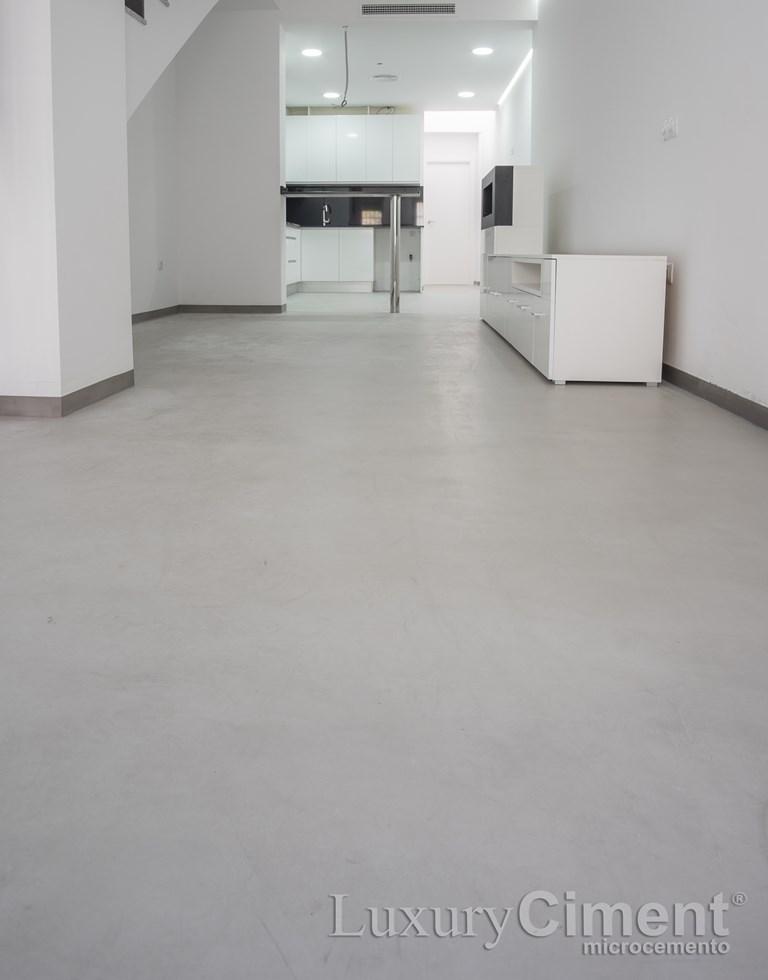 suelo de una vivienda pavimento microcemento