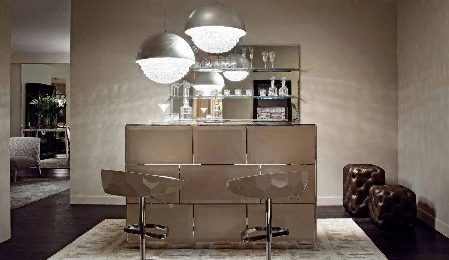 Hollywood Bar Counter Made Of Natural Wood With Glass Top