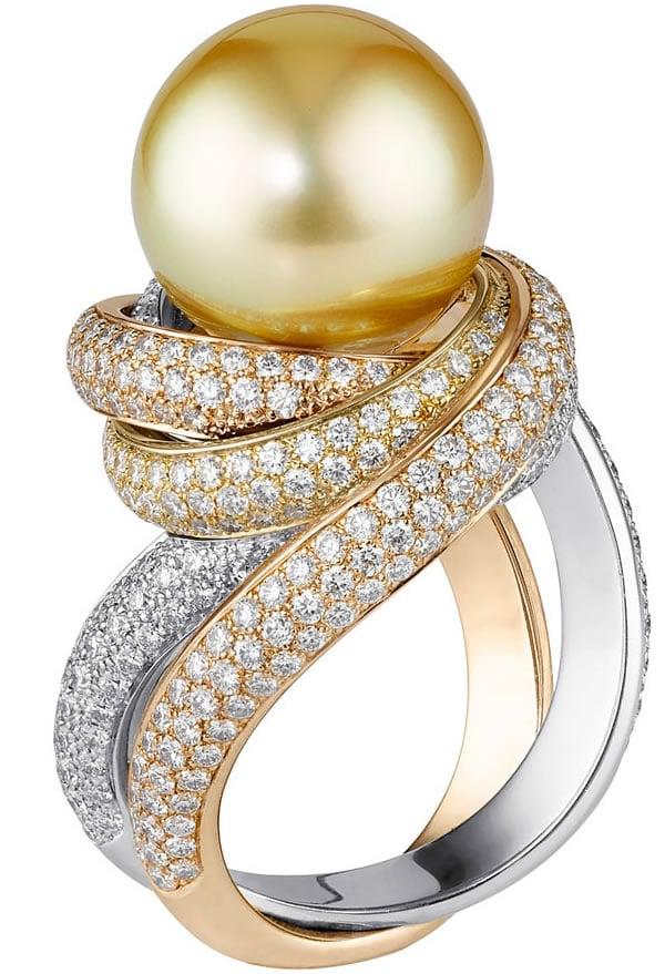Three Diamond Ring Pendant Necklace