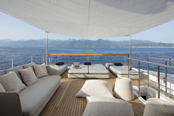 dinaia_motor-yacht (4)
