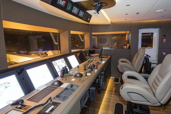 ouranos-yacht-charter-bridge