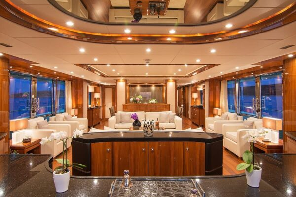 pathos-mega-yacht-salon-main-min