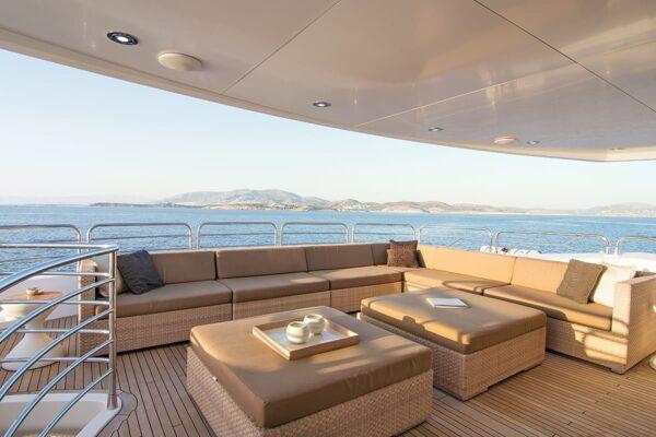 pathos-mega-yacht-upper-ext-salon-min