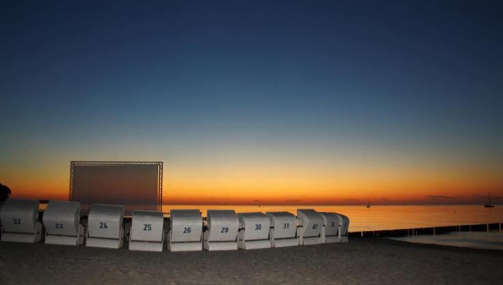 Filme gucken am Strand in Heiligendamm