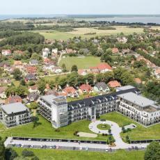Die ehemalige Seefahrtschule in Wustrow wird Feriendomizil