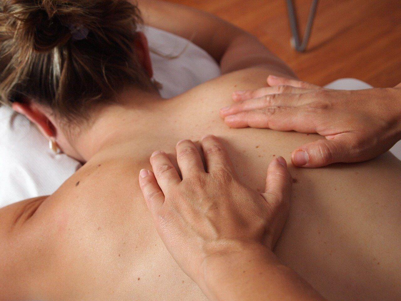 Domáca masáž chrbta