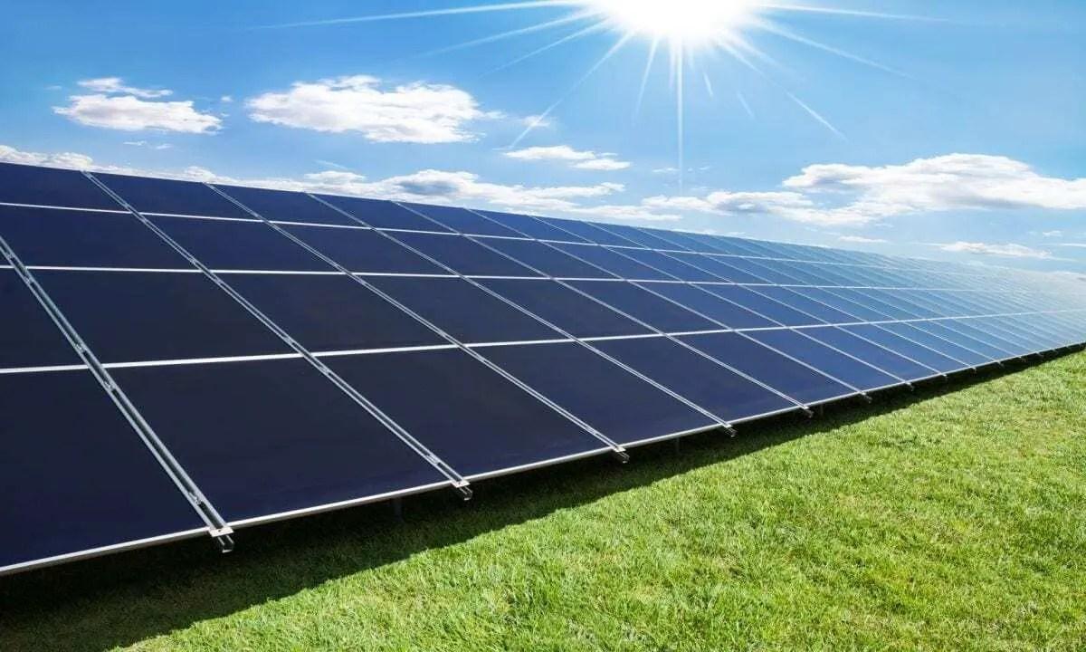 A evolução dos painéis solares no cotidiano