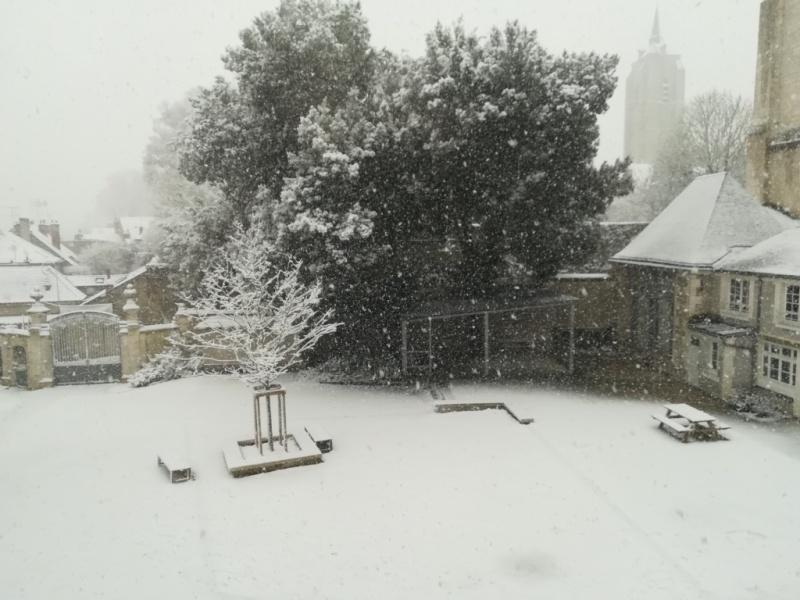 Le Lycée de l'Abbaye se pare d'un beau manteau blanc
