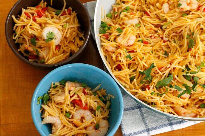 Fideos with Shrimp and Peas