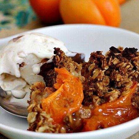 Best Apricot Crisp ~ Finally, a topping that stays crispy! ~ Lydia's Flexitarian Kitchen