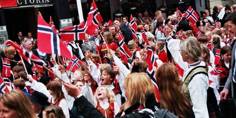 Oslo 17. mai 2010. FOTO: Public domain (CC0).