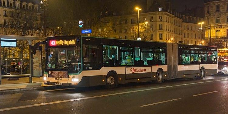 BUSS I PARIS. (Foto: PR180.2/MAN Lion's City G 4753 RATP, ligne 43, Paris/Commons Attribution-Share Alike 2.0 Generic)