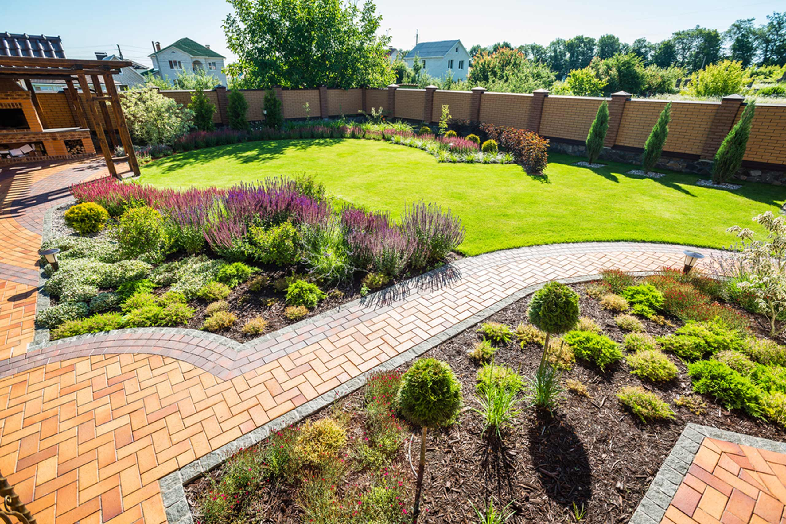 A newly landscaped back garden, showing an example of Lynch Brothers Homes' landscaping services in oxford