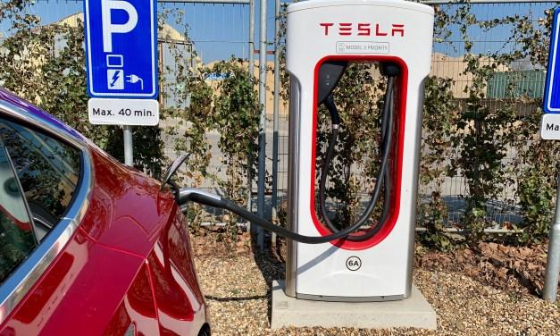 Laad gratis 1500 kilometer met jouw Tesla!