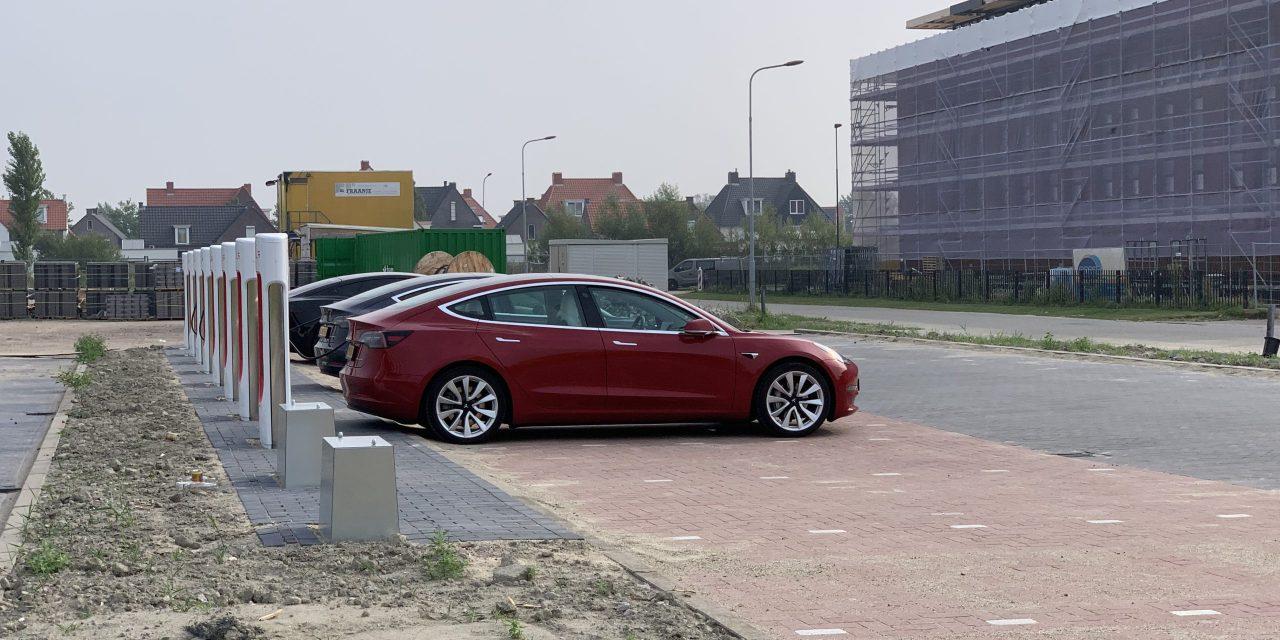 Supersnelle oplader voor Tesla's in Middelburg