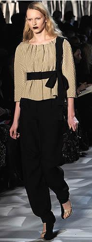 MOSCHINO Fall 2009 in Milan Fashion Week