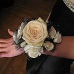 prom-flowers-on-female-wrist