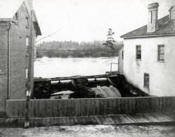 Main St Lyn WB4 Pond #24