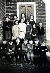 Seeleys Sch Class abt 1925 SF12#18