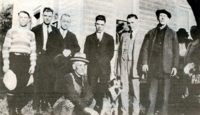 New Dublin workers at Ira Mallory SAwmill 1920's Darling Bk3p155