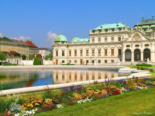 Vienna-Austria-austria-31748776-1024-768[1]