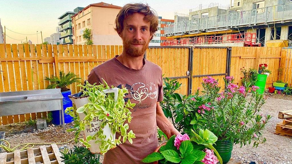 Nicolas Talliu a créé LE GARDIEN DES PLANTES pour éviter de laisser dépérir le végétal lors des vacances