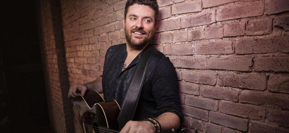 Chris Young Christmas.Lyricinterviews Chris Young On Early Chart Failures