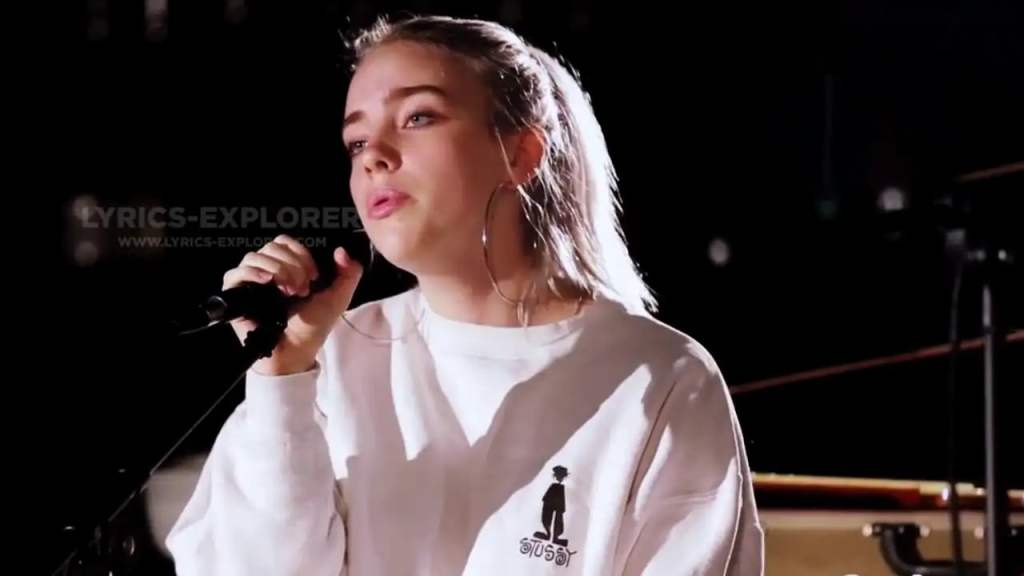 Six Feet Under Lyrics in English - Billie Eilish Lyrics