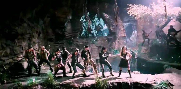 oru-kannil-oru-kannil-amuthamum-lyrics