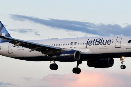 JetBlue está regalando vuelos a todo aquel que compre un juego de mesa de $20